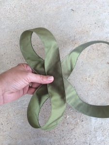 second loop on a layered bow
