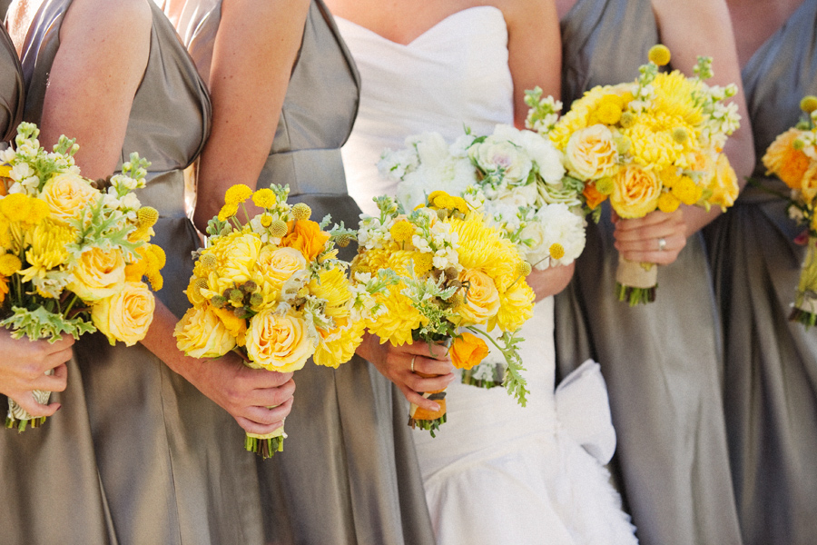 wedding-color-schemes-yellow-and-grey