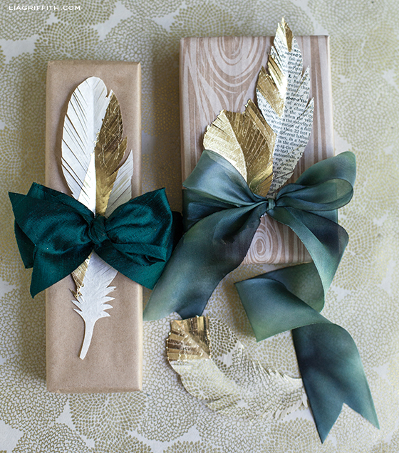 PaperFeatherGiftToppers