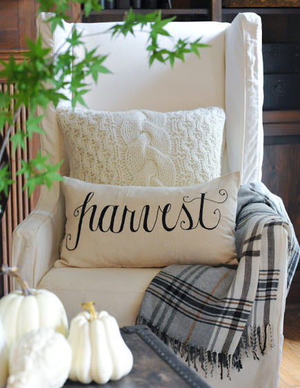 fall-blankets-and-pillows