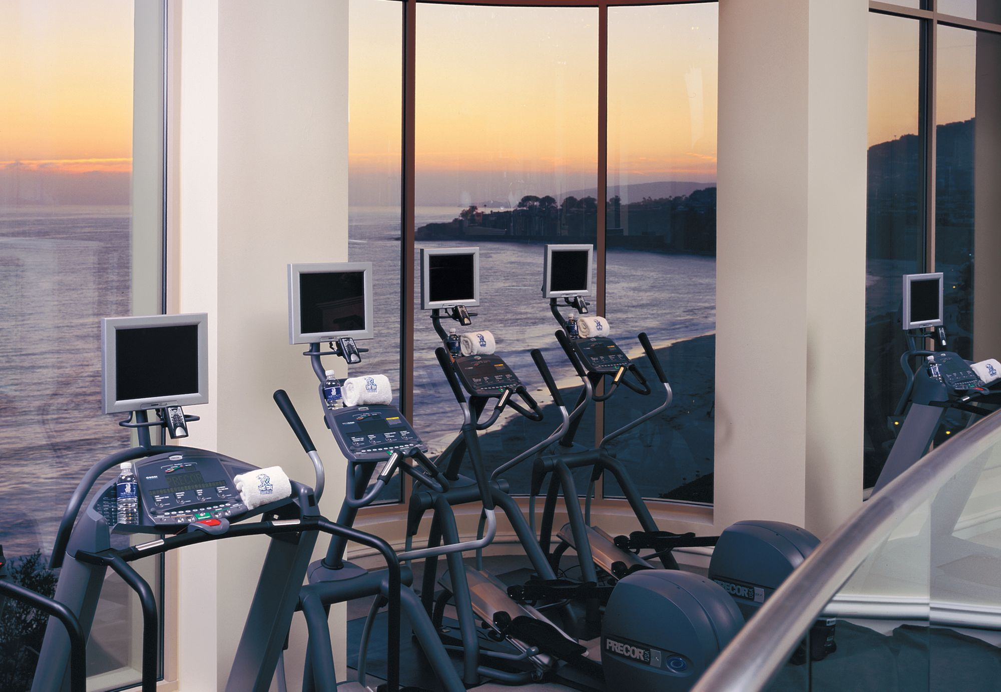 fitness-center-at-ritz-carlton